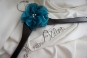 customized bride hanger with flower