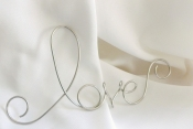 love wire sign wall