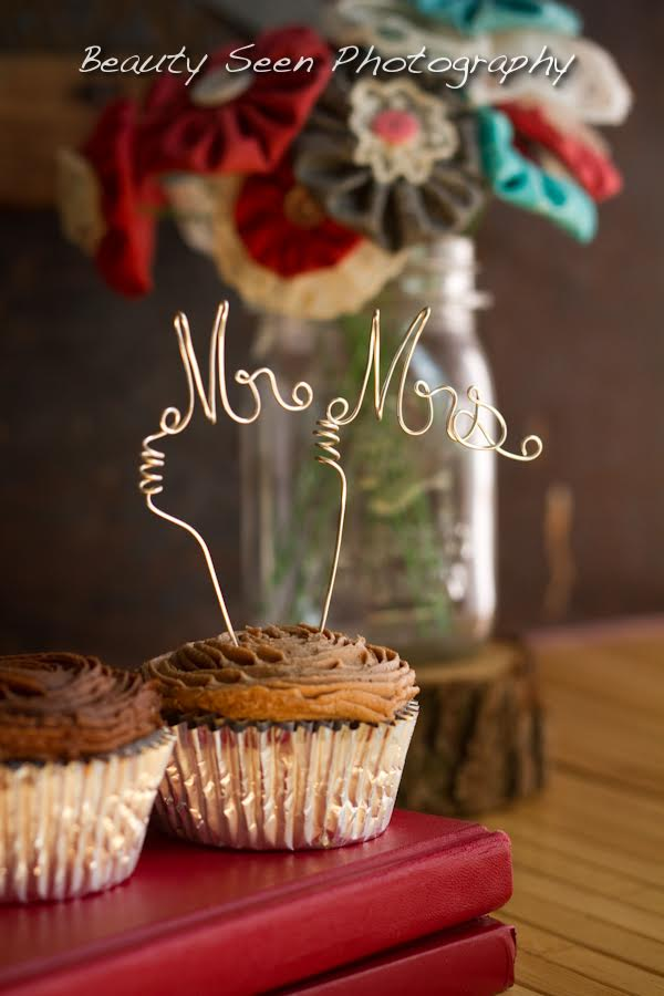 mr mrs cupcake topper